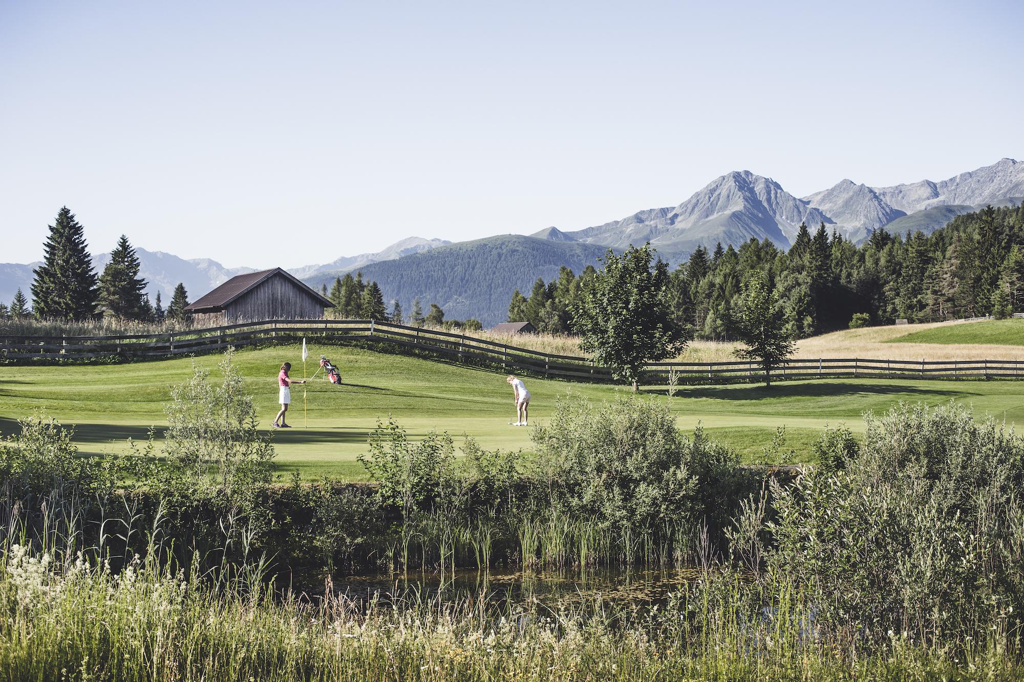 Golf_Partie_mit_Panorama_Seefeld_Reith_Stephan_Elsler